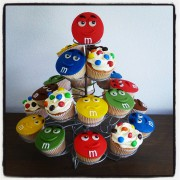 M en M Cupcakes